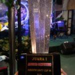 Piala juara 1 lomba akustik teknik industri ist akprind