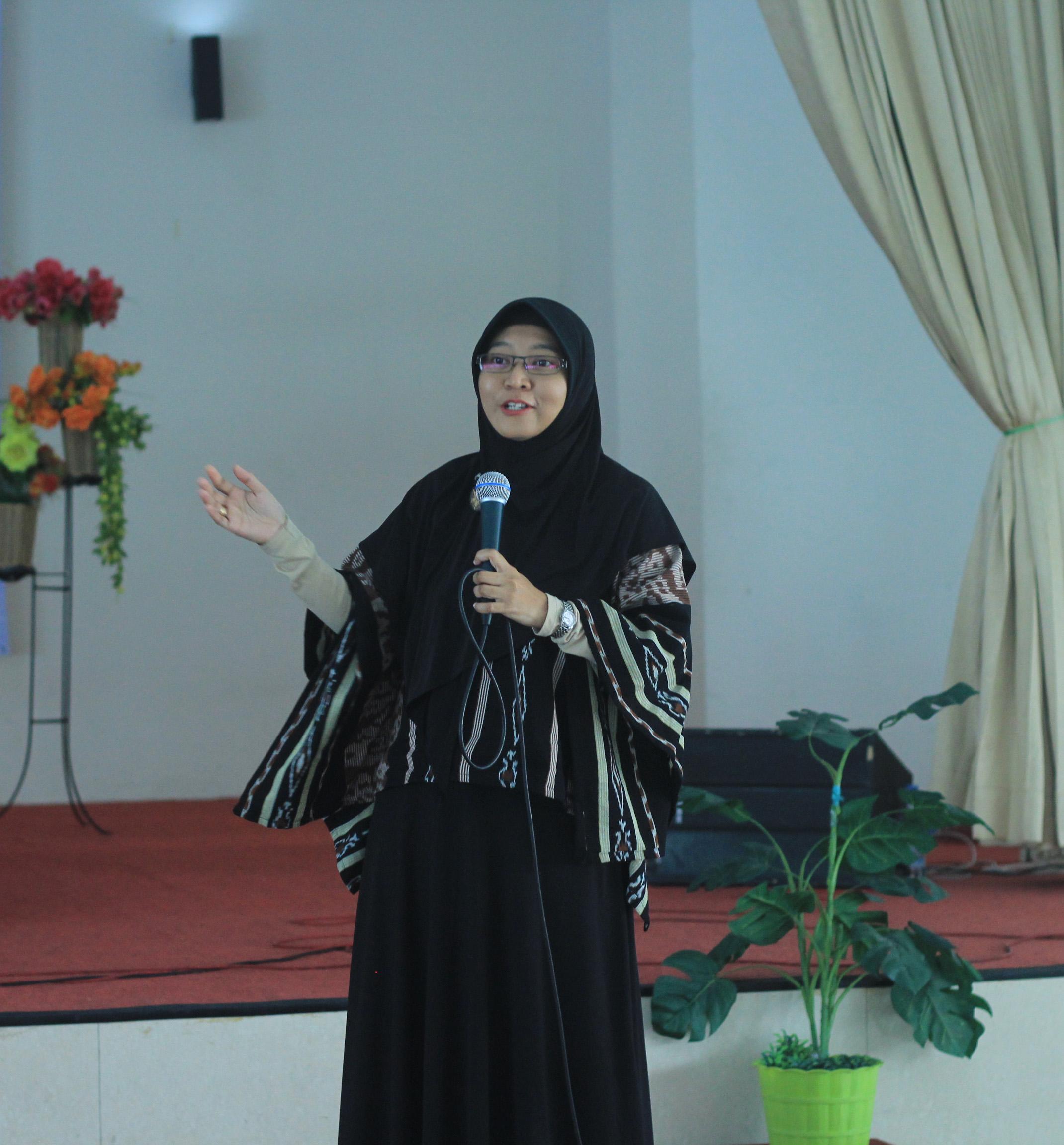Bertha Maya Shopa, S.T., M.Sc., Ph.D. (Ketua Badan Peyelenggara Kerjasama Pendidikan Tinggi Teknik Industri (BKSTI) Yogyakarta & Dosen Departemen Teknik Industri dan Teknik Mesin UGM)